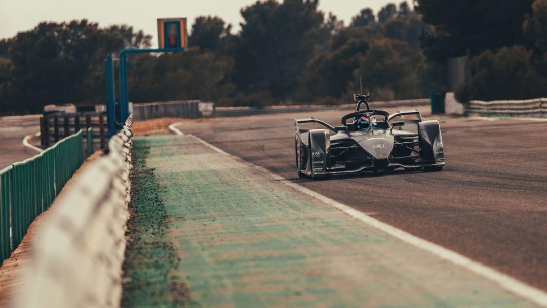 Porsche Motorsport: Formel-E-Fahrzeug absolviert Testfahrten
