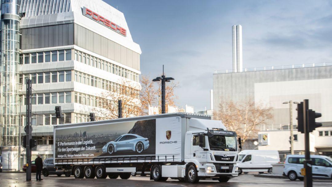 Без шума и выхлопа к месту сборки нового электрического Porsche