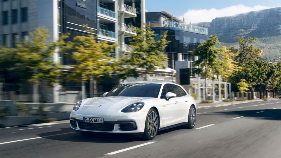 Panamera 4 E-Hybrid Sport Turismo, 2017, Porsche AG