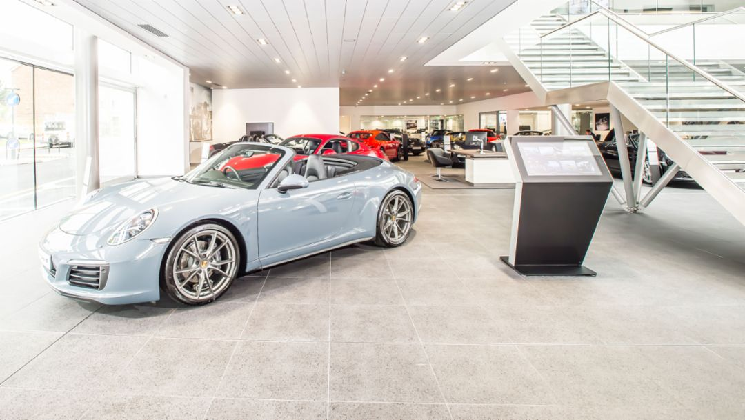 Porsche trade and service centre, Chiswick, 2016, Porsche AG