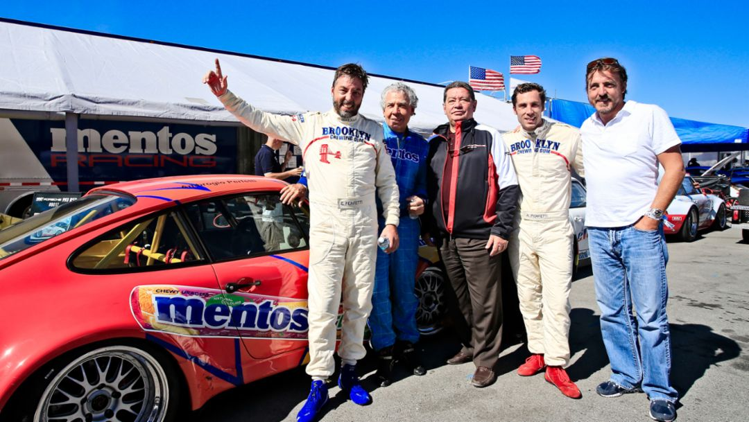 Egidio Perfetti (l) mit Familie, Rennsport Reunion VI, WeatherTech Raceway Laguna Seca, Kalifornien, 2018, Porsche AG