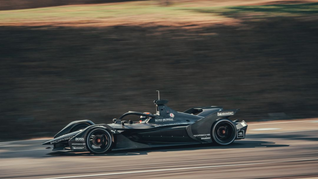 Competitive factor: The Porsche powertrain for Formula E