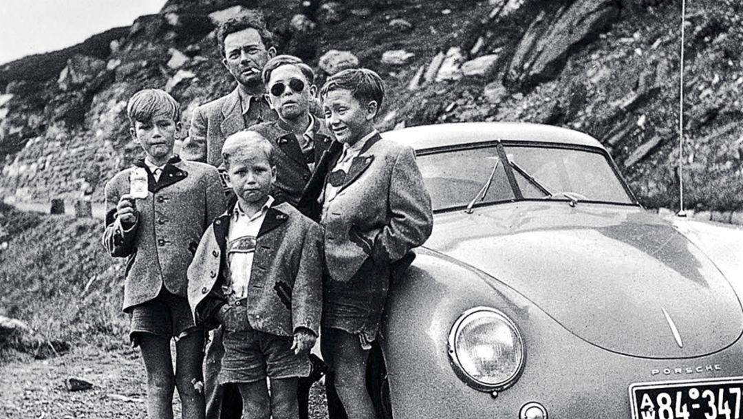 Hans-Peter Porsche, Wolfgang Porsche, Ferry Porsche, Ferdinand Alexander Porsche, Gerhard Porsche, l-r, 356 Coupé, 1950, Porsche AG