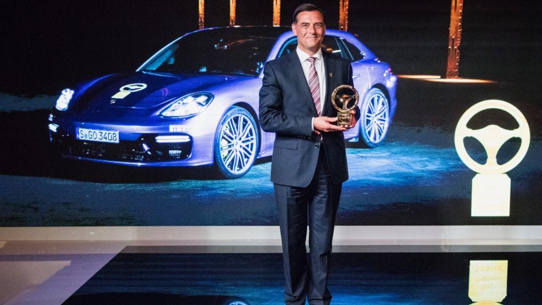 Michael Steiner, Mitglied des Vorstandes, Forschung und Entwicklung der Porsche AG, Panamera Turbo Sport Turismo, Verleihung Goldenes Lenkrad, 2017, Porsche AG