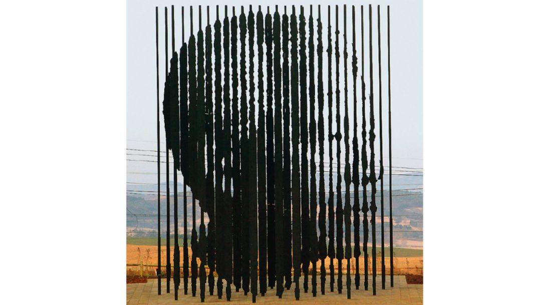 Nelson Mandela Sculpture, 2018, Porsche AG