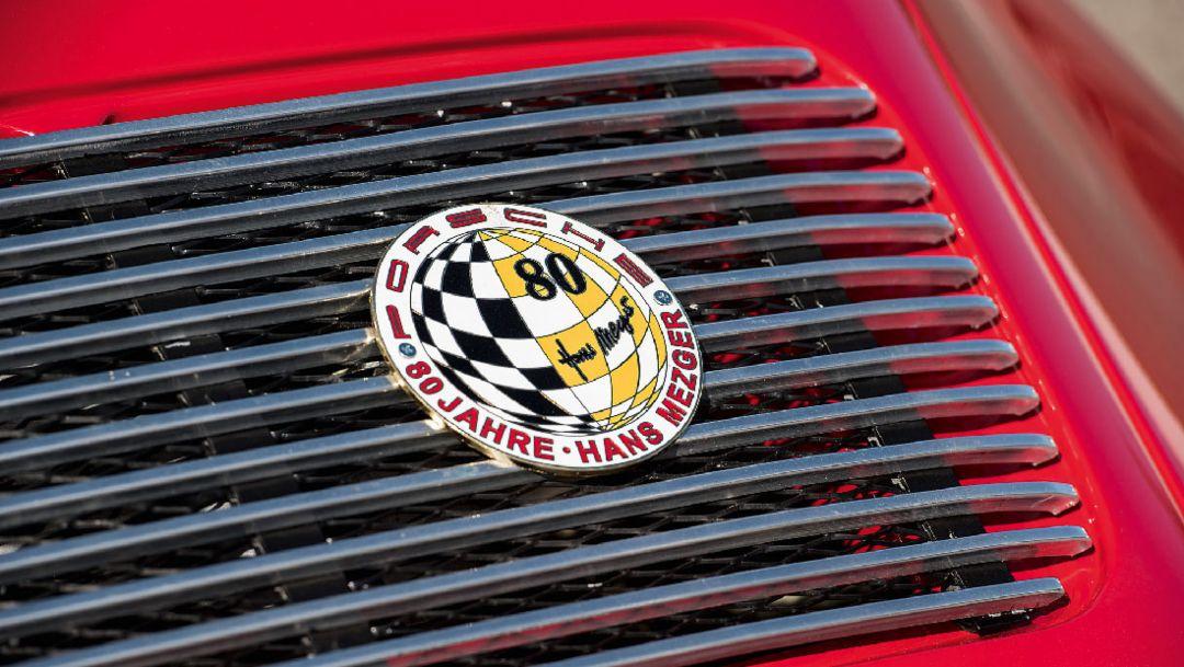 Porsche 911 S Coupé, Emblem Hans Mezger, 2018, Porsche AG
