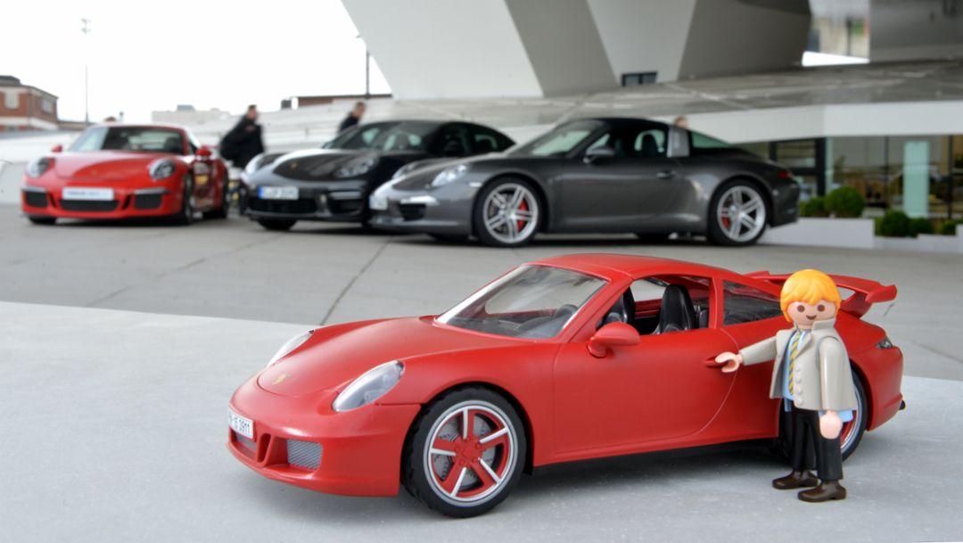 So entstehen die Miniatur-Porsches von Playmobil