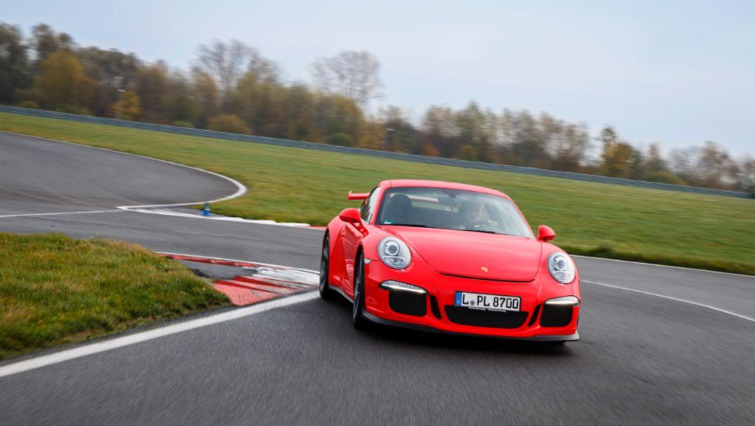 Michelle Gatting, Rennfahrerin, Porsche GT3, Rundkurs Leipzig, 2014, Porsche AG
