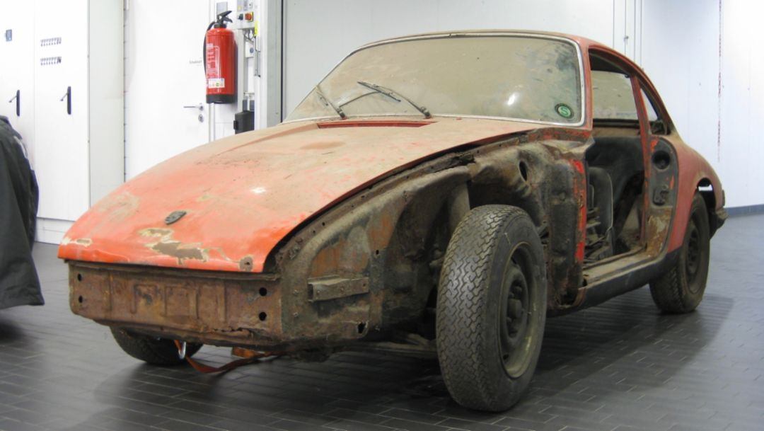 "911, ""barn find"", 2017, Porsche AG"