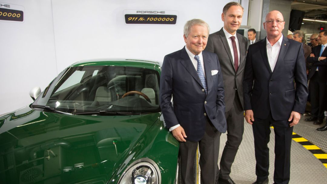 Dr. Wolfgang Porsche, Chairman of the Supervisory Board Porsche AG, Oliver Blume, Chairman of the Executive Board Porsche AG, Uwe Hück, Chairman of the Group Works Council Porsche AG, l-r, one-millionth 911, Stuttgart, 2017, Porsche AG