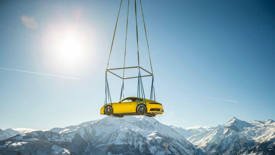 全新保时捷 911 在阿尔卑斯山亮相