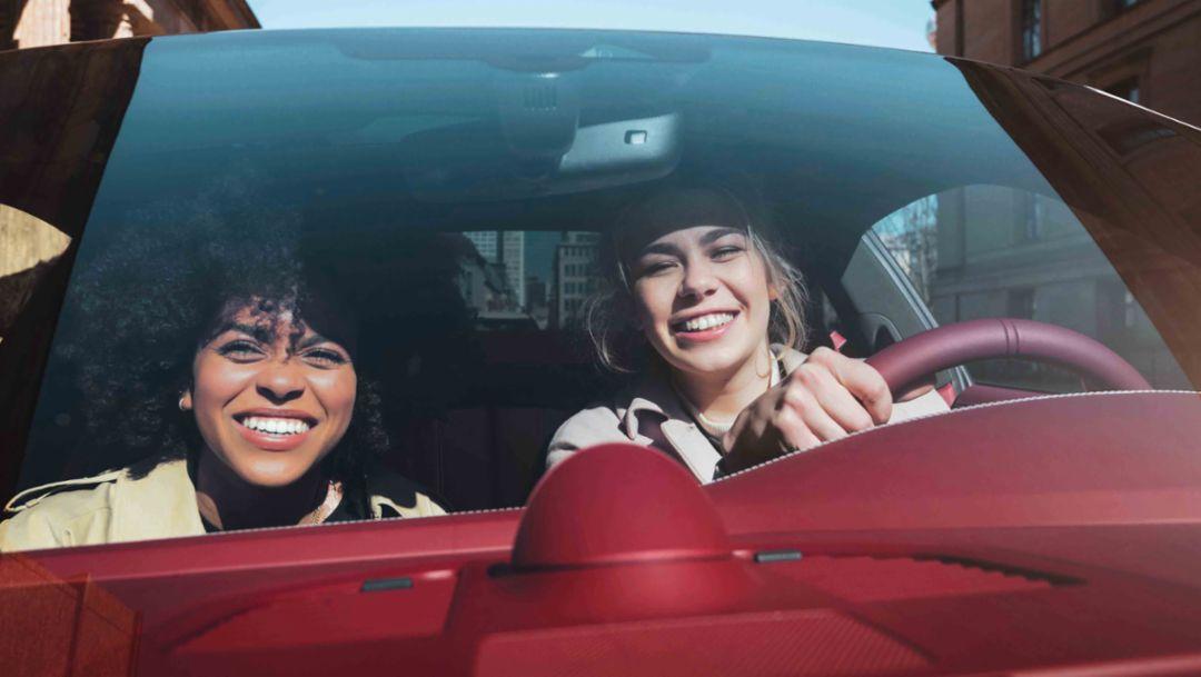 Porsche Talks-Interview: Schnell, schneller, Aminata!