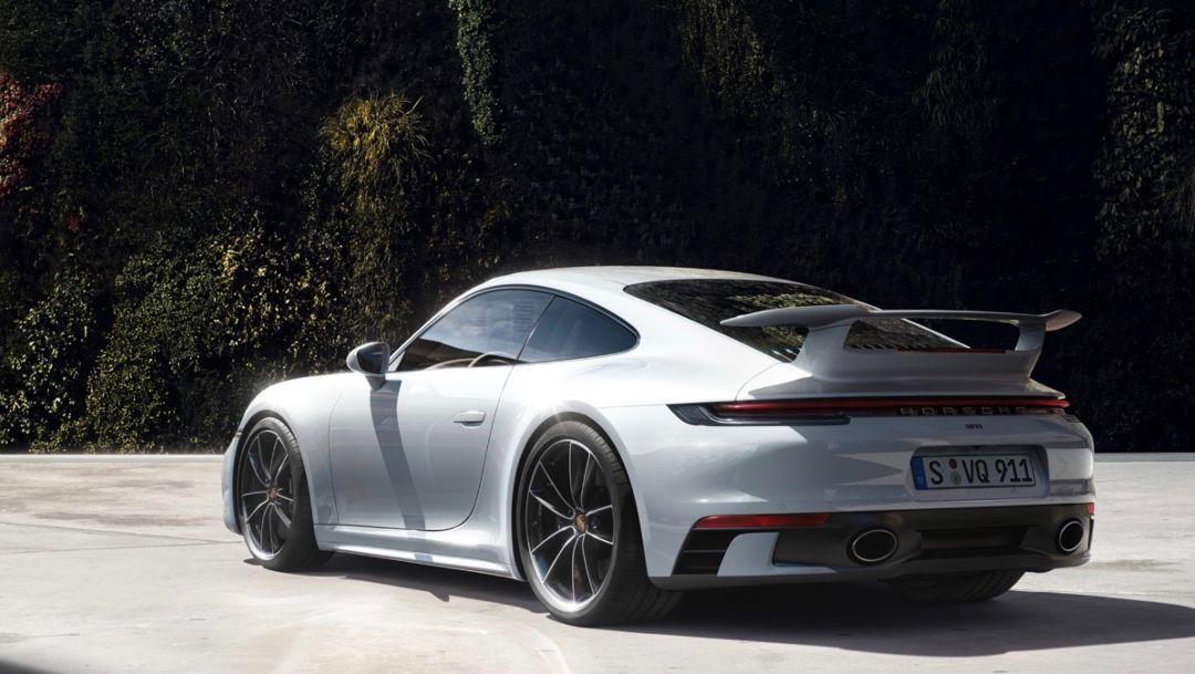 Shaping up: Aerokit and SportDesign package for the Porsche 911