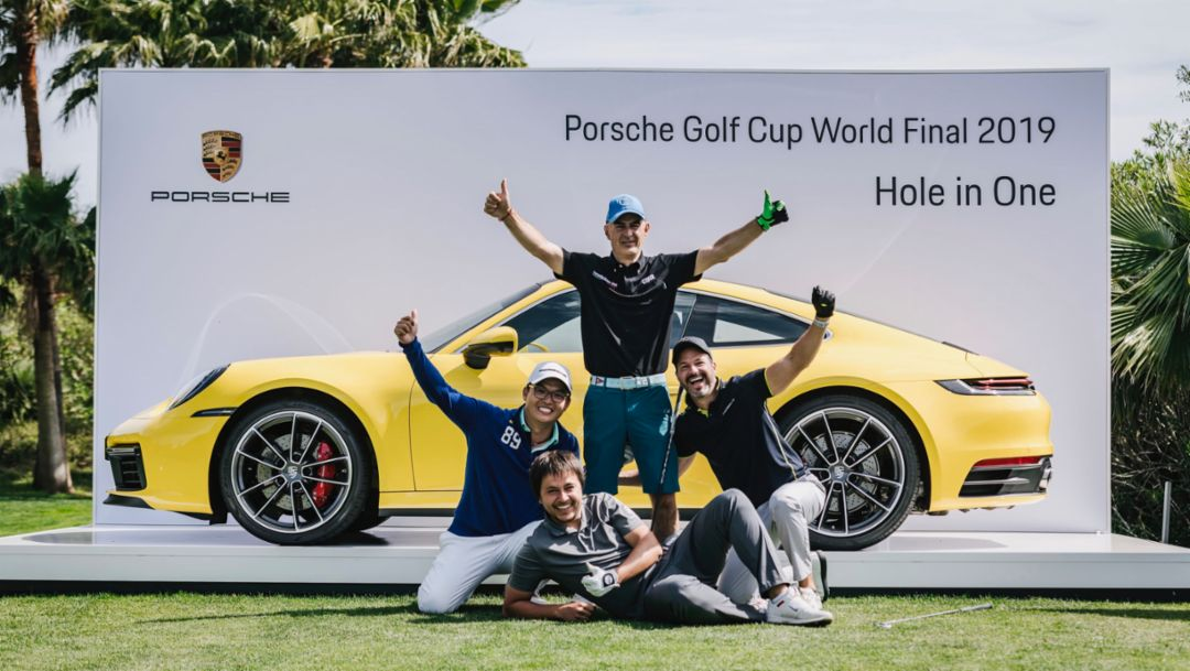 Marco Leoni and his fellow players, 911 Carrera S, Porsche Golf Cup, Mallorca, 2019, Porsche AG