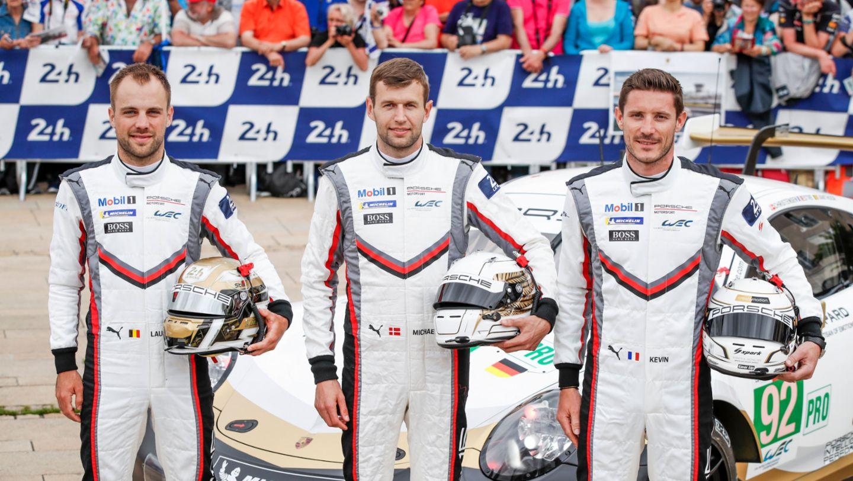 Laurens Vanthoor (B), Michael Christensen (DK), Kevin Estre (F), l-r, 911 RSR (92), Technische Abnahme, FIA WEC, Le Mans, 2019, Porsche AG