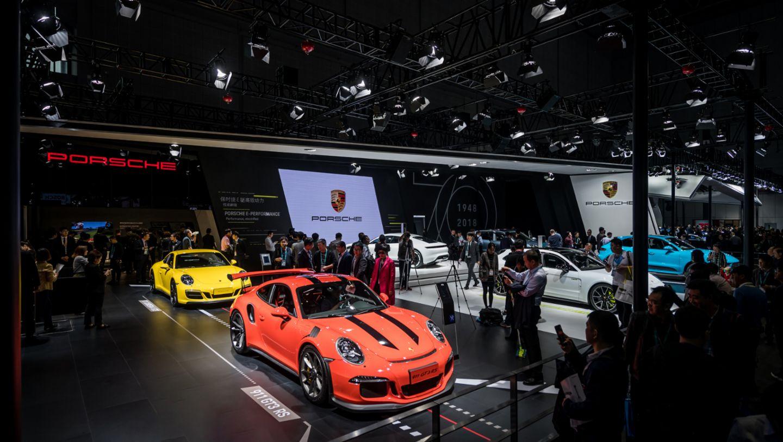 保时捷亮相首届中国国际进口博览会
