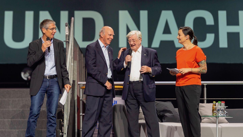 Вальтер Ципзер, Ричард Эттвуд, Ханс Херрманн, Лина ван де Марс (слева направо), восьмая ночь звуков Porsche Sound Nacht, Porsche Arena, 2018, Porsche AG