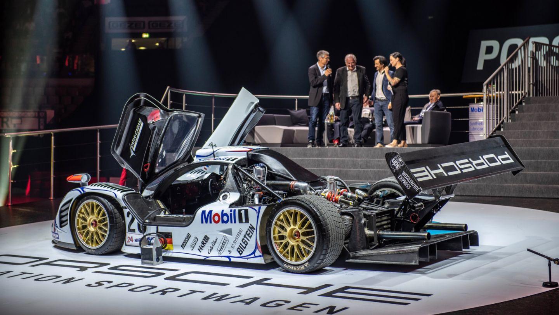 Porsche 911 GT1 '98, восьмая ночь звуков Porsche Sound Nacht, Porsche Arena, 2018, Porsche AG