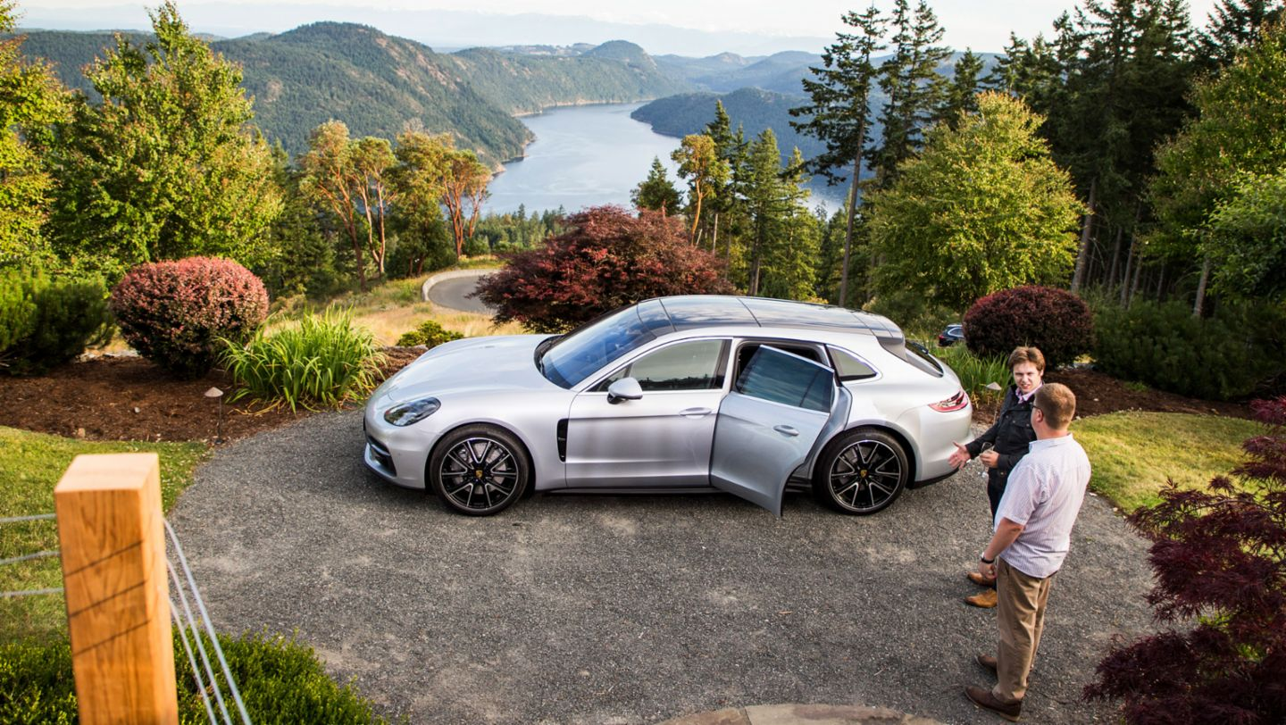 Journalists, Vancouver Island, Canada, 2017, Porsche AG