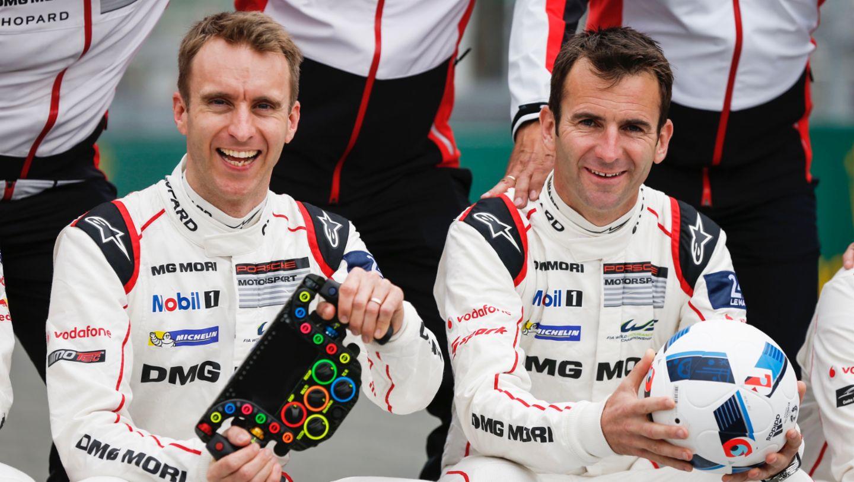 Timo Bernhard, Romain Dumas, l-r, Porsche 919 Hybrid, WEC, Le Mans, 2016, Porsche AG
