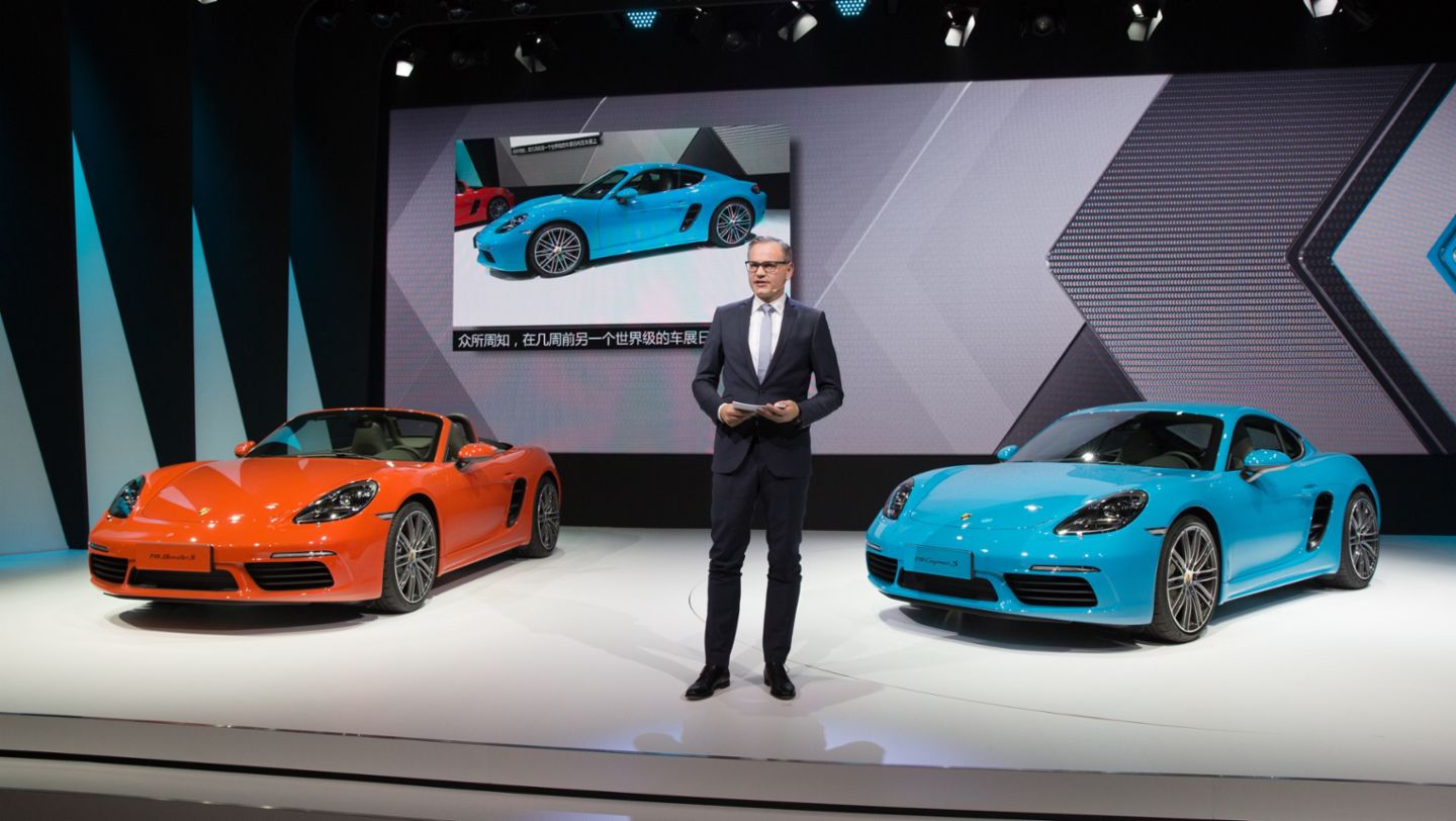 Oliver Blume, Chairman of the Executive Board Porsche AG, 718 Cayman S, Auto China, 14th Beijing International Automobile Exhibition, 2016, Porsche AG