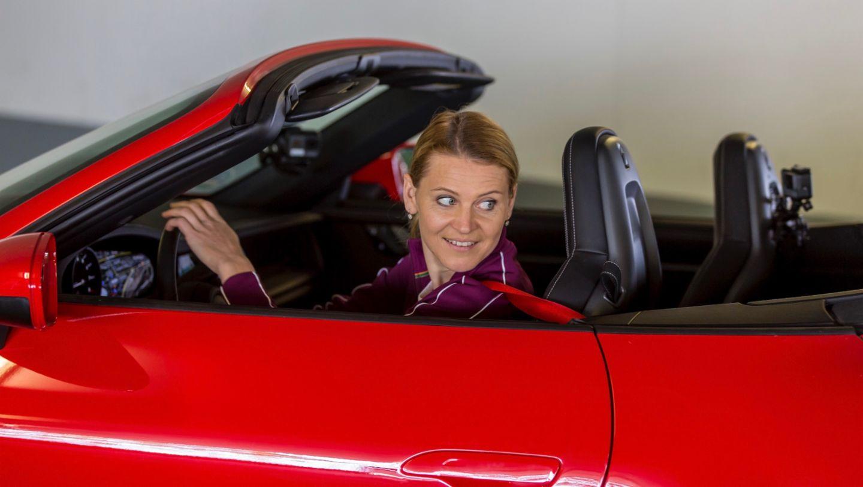 911 Carrera 4S Cabriolet, Lucie Safarova, Porsche Tennis Grand Prix, Parking Challenge, 2019, Porsche AG