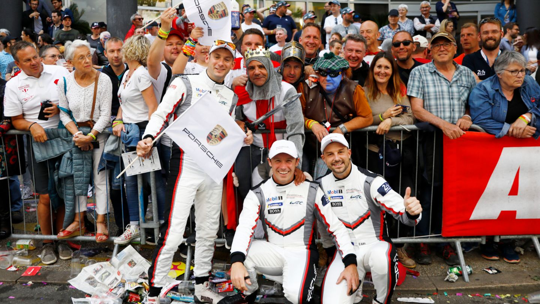 Porsche GT Team (93), Nick Tandy (GB), Patrick Pilet (F), Earl Bamber (NZ), l-r, Fahrerparade, FIA WEC, Le Mans, 2019, Porsche AG