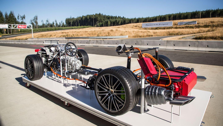 Modell Panamera Turbo S E-Hybrid, Vancouver Island Motorsport Circuit, Kanada, 2017, Porsche AG