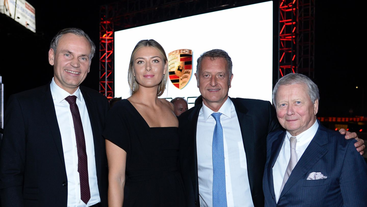 Oliver Blume, CEO, Maria Sharapova, brand ambassador, Detlev von Platen, Member of the Executive Board, Sales and Marketing, Dr. Wolfgang Porsche, Chairman of the Porsche Supervisory Board, l-r, Porsche Experience Center, Los Angeles, 2016, Posche AG