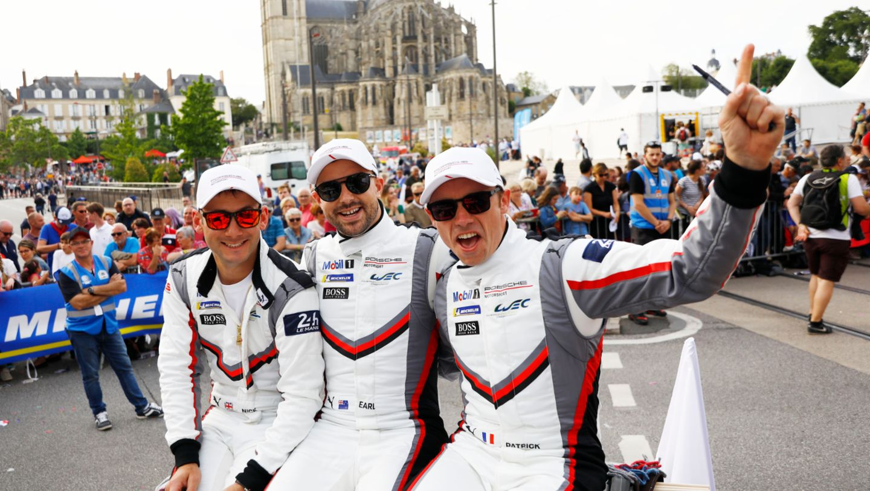 Porsche GT Team (93), Nick Tandy (GB), Earl Bamber (NZ), Patrick Pilet (F), l-r, Fahrerparade, FIA WEC, Le Mans, 2019, Porsche AG
