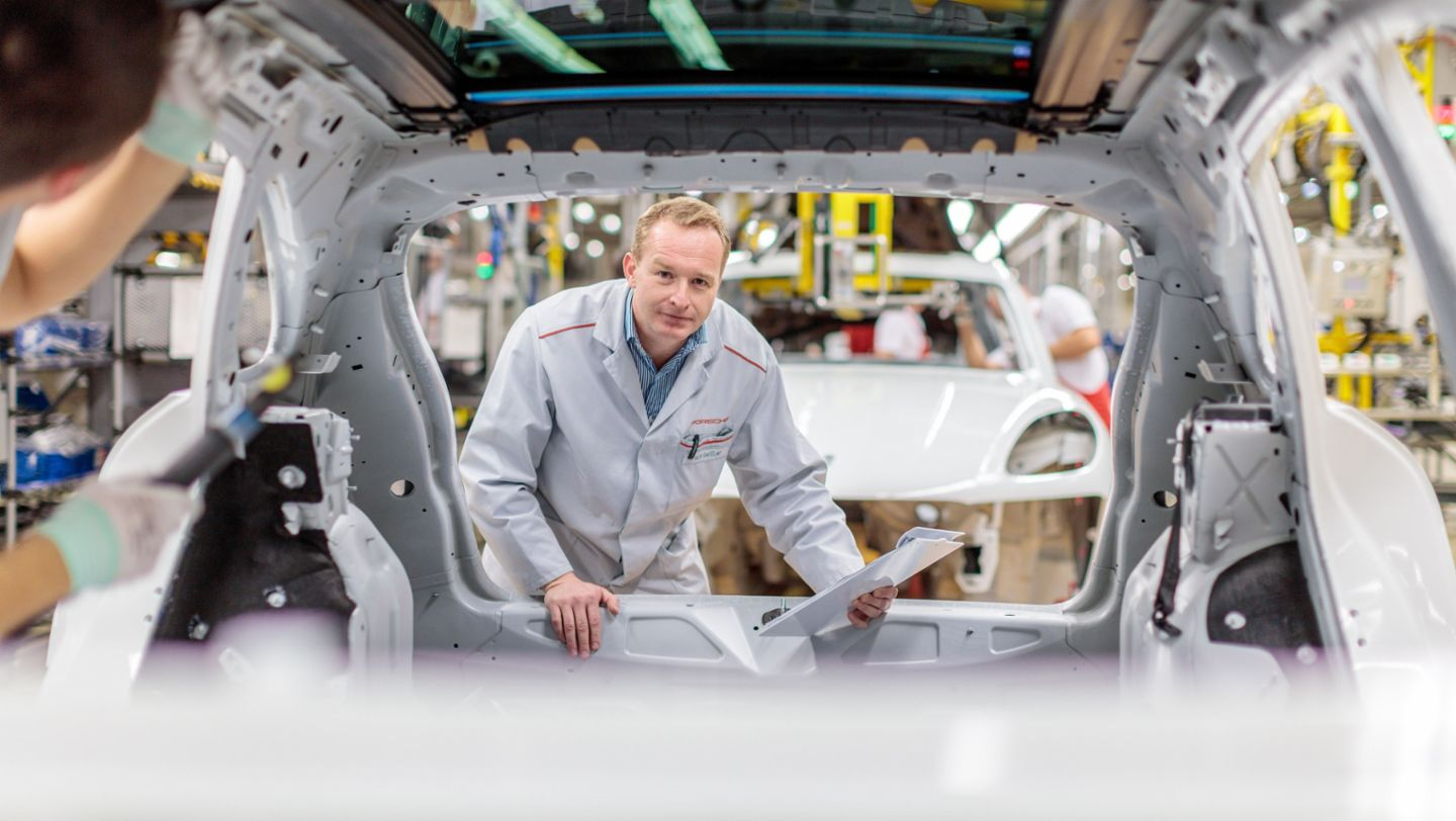 Falk Geissler, Shift manager in vehicle inspection, Leipzig, 2016, Porsche AG