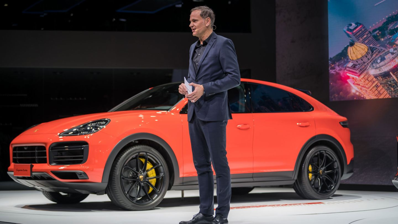 Oliver Blume, Chairman of the Executive Board of Porsche AG, Cayenne Coupé, Auto Shanghai, 2019, Porsche AG