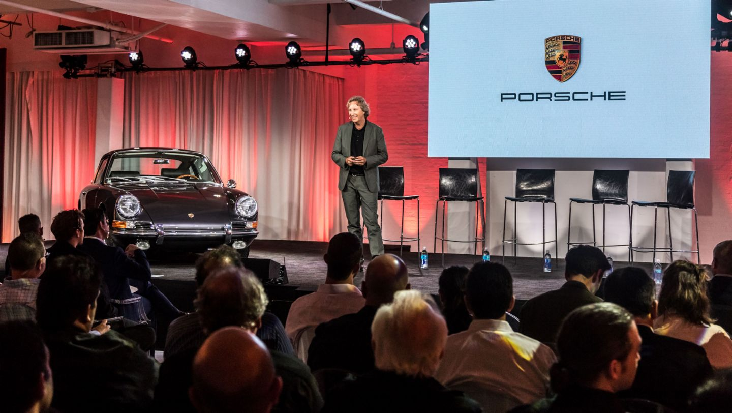 Tony Hatter, Director of the Design Quality Style department at Porsche, Design Forum, New York City, 2017, Porsche AG
