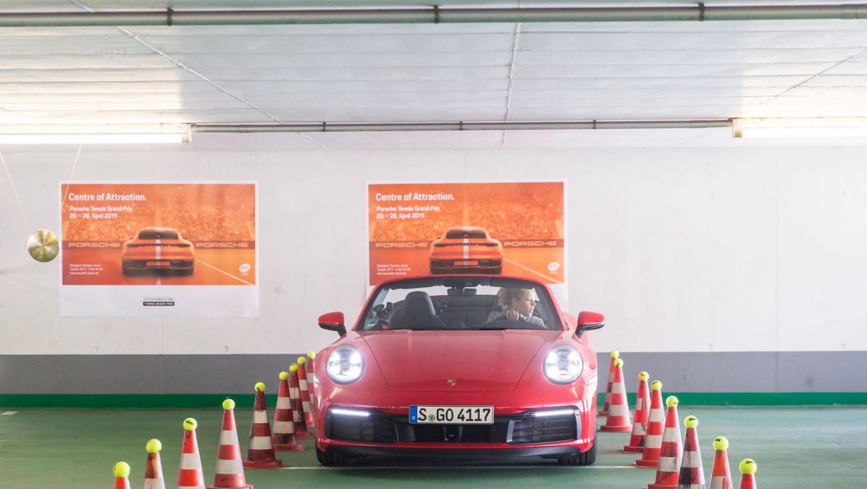 911 Carrera 4S Cabriolet, Laura Siegemund, Porsche Tennis Grand Prix, Parking Challenge, 2019, Porsche AG