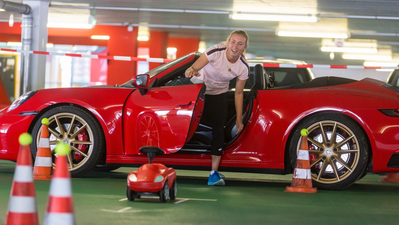 911 Carrera 4S Cabriolet, Elise Mertens, Porsche Tennis Grand Prix, Parking Challenge, 2019, Porsche AG