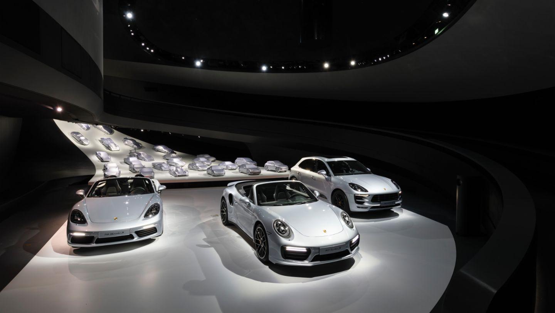 718 Boxster S, 911 Turbo S Cabriolet, Macan GTS, Porsche Pavillion, Wolfsburg, 2016, Porsche AG