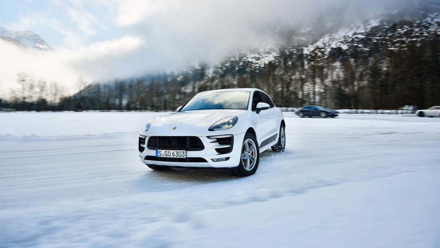 Macan GTS, driving safety training Saalfelden, 2016, Porsche AG