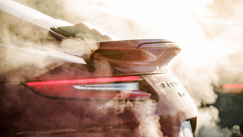 在芬兰Levi举行的保时捷凌驾风雪活动中的911 Turbo