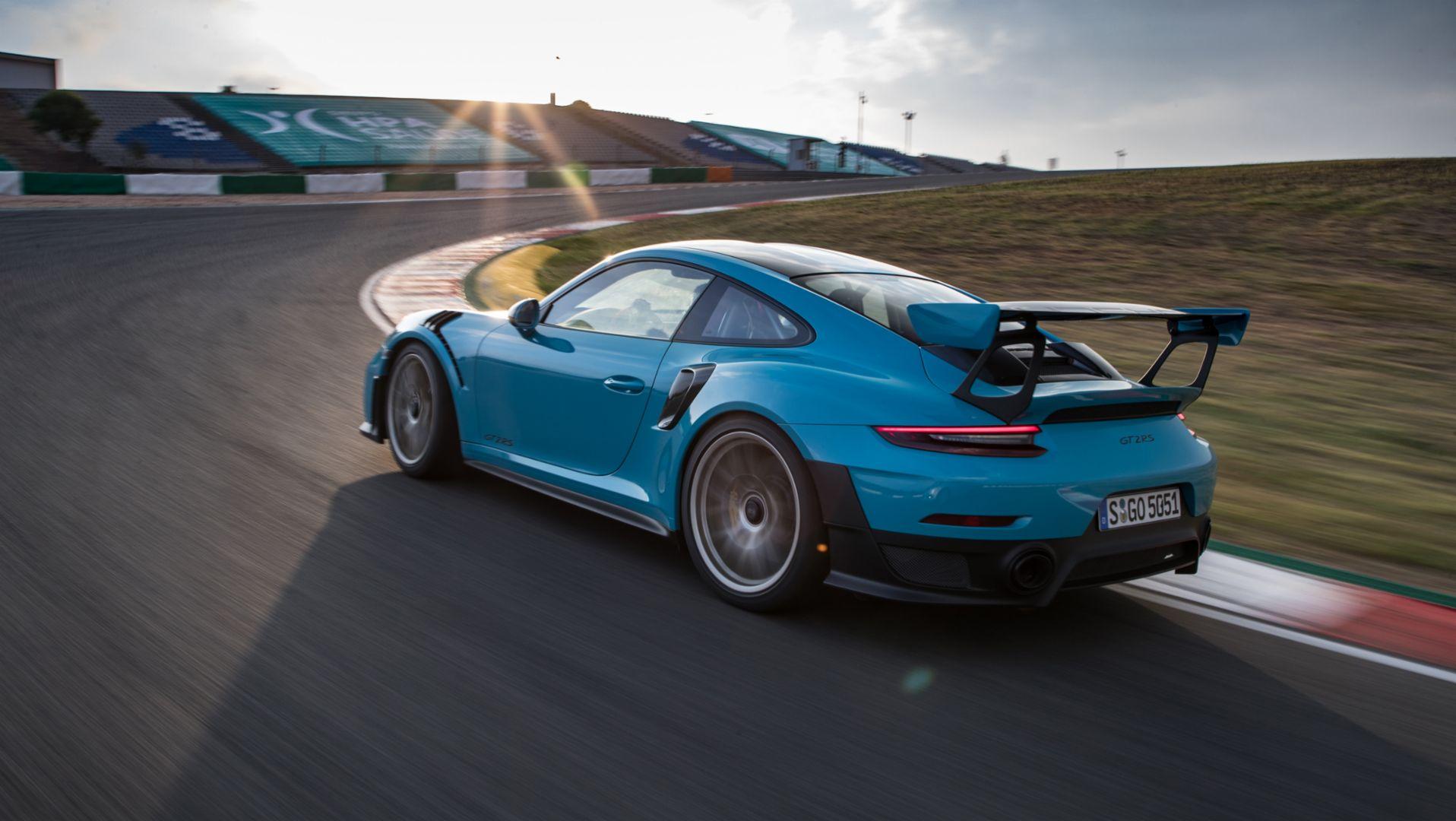 fdf19d81-6708-4066-9d0b-6536ad402728 Exciting Porsche 911 Gt2 La Centrale Cars Trend